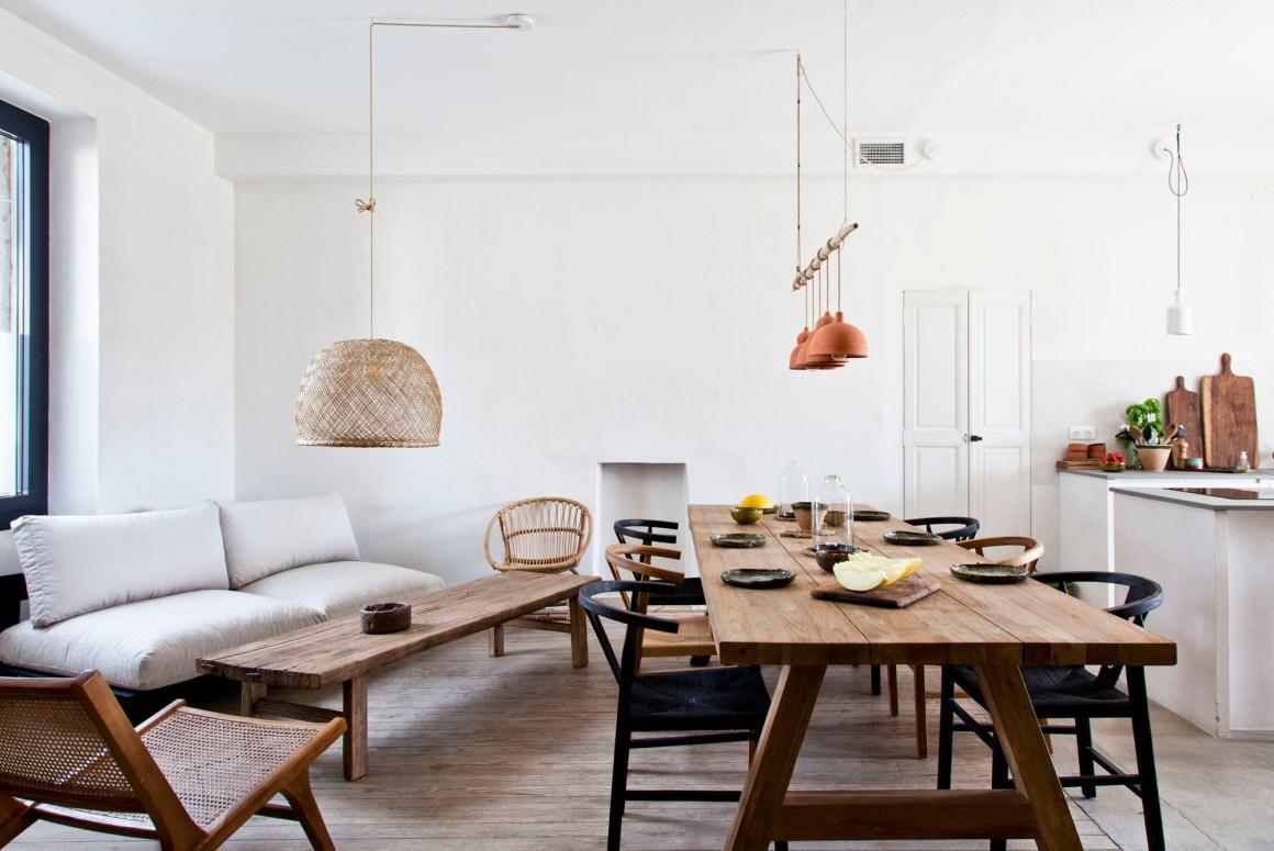 Effets bruts, matières naturelles, objets artisanaux et esprit minimaliste