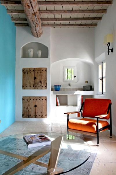 """Stylé, le salon de la suite """"Le Cabanon"""", hôtel Le Hameau des Baux, Alpilles, Provence."""