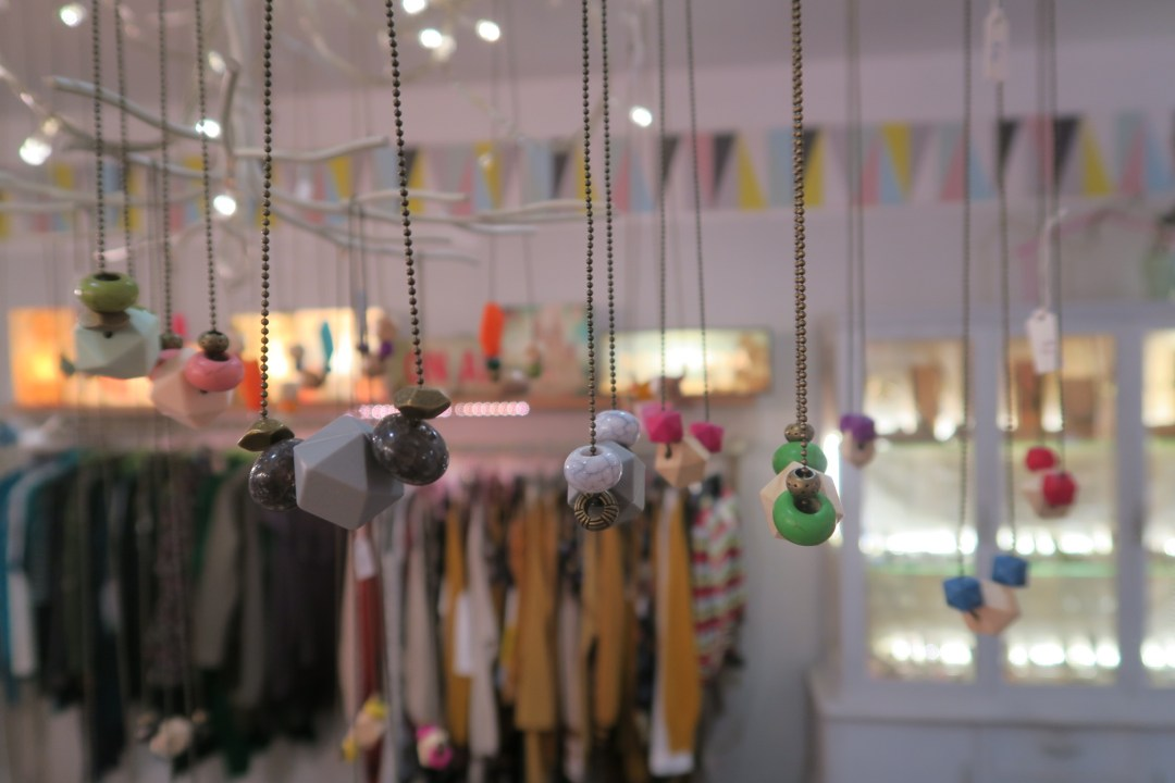 Sustainable fashion tour Barcelona in the Gracia district- Rollito Asi