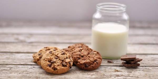 latte vegetale biscotti