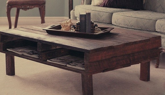 coffee table made form recycled hardwood pallet