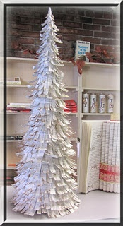 31 Diy Christmas Trees Made From Recycled Materials