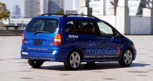 "The General Motors Hydrogen 3 Concept ""Makes No Sense"" According to Elon Musk"