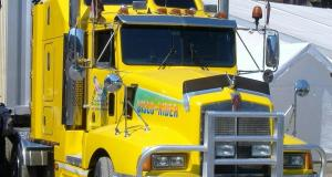 A Modern Kenworth Long-Haul Tractor - More Advanced than Ever, but Still Wastes Fuel Idling