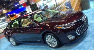 Toyota Avalon Hybrid - 40mpg Luxury Vehicle
