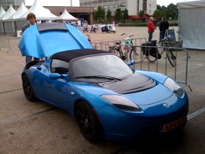 The Tesla Roadster - Top Gear's Victim of Choice?