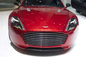 A Hydrogen Hybrid Race Car Version of the Aston Martin Rapide S Will Race in 24h of Nürburgring