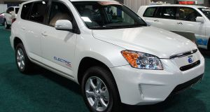 Toyota RAV4 EV's Powertrain is Lithium-Ion by Tesla Motors. Toyota Set to Produce its Own Li-ion Batteries Now.