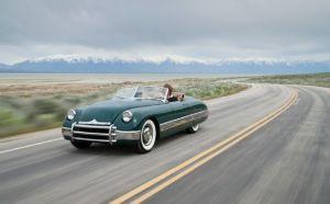 car-driving-desert