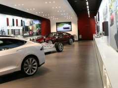 Tesla Motors Can Let You Touch and See a Tesla Model S in a Tesla Gallery in Texas