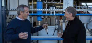 Bill_Gates_drinks_sewage_water1-537x253