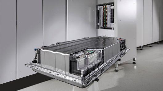 Mercedes-Benz Home Battery Challenges Tesla's Powerwall