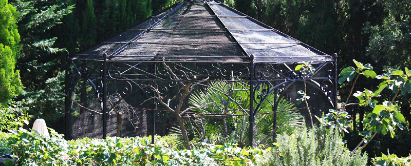 Green Parrot Gardens | Architectural Structures | Aviary