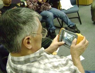 Inuit Hunters Go Hi-Tech