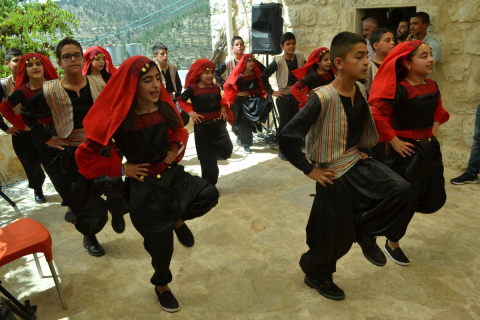 Battir kids perform traditional dabke at opening of heirloom seed library (David Kattenburg)