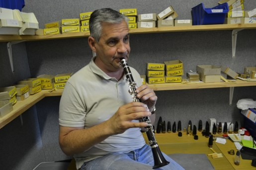 Thierry Maison tests a clarinet reed