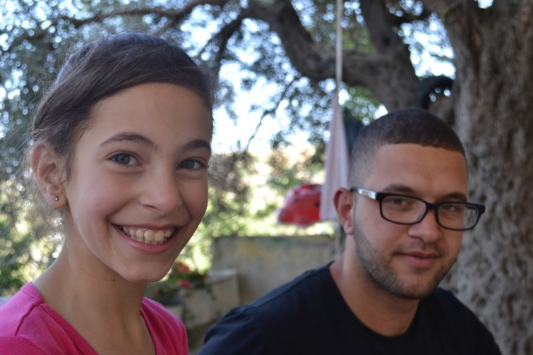 Imad and kid sister, Tel Rumeida, Hebron (David Kattenburg)