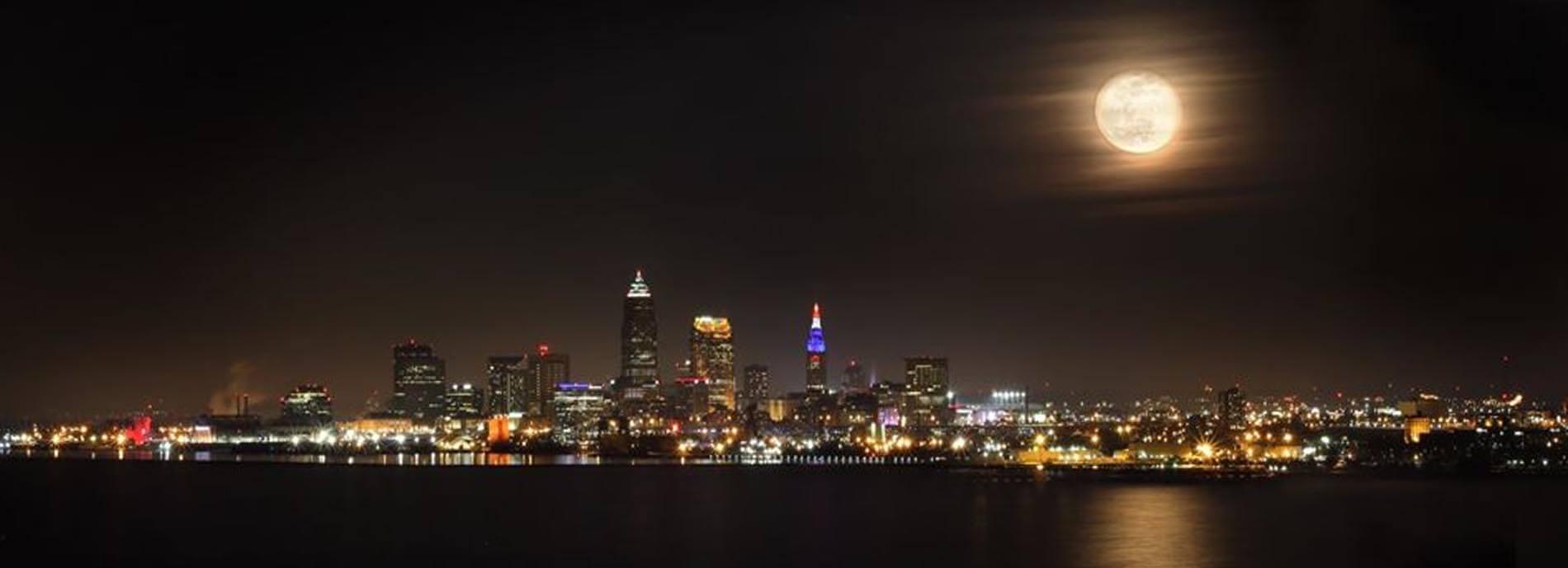 Dan Morgan photo Cleveland skyline night