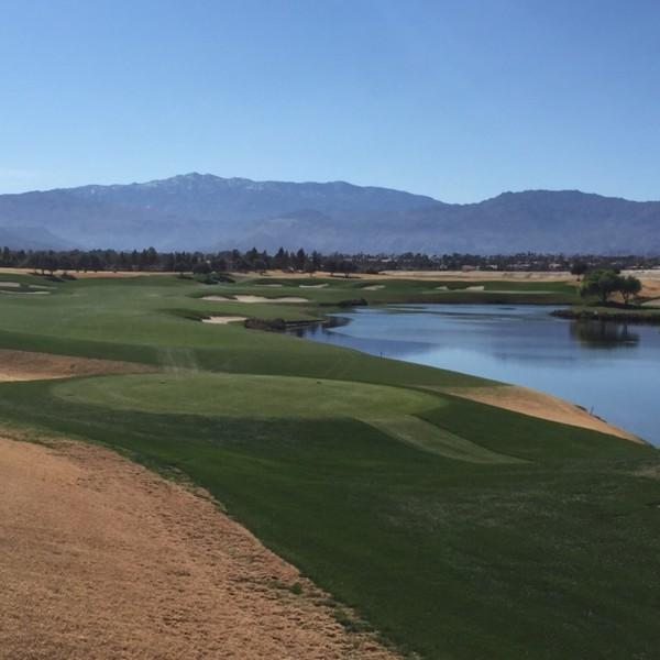 Classic Club Hole 16 in Palm Desert, CA