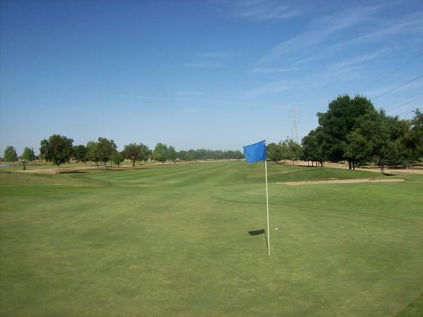 Pheasant Run Golf Course Chowchilla California. Hole 16 Green-side
