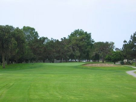 Costa Mesa Country Club LOS LAGOS Course Costa Mesa California. Hole 11 Par 3