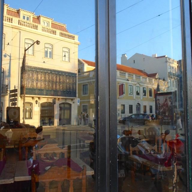 """Würde ich nächsten Mal genau """"unbeschwert"""" durch  Lissabons Príncipe Real spazieren?"""