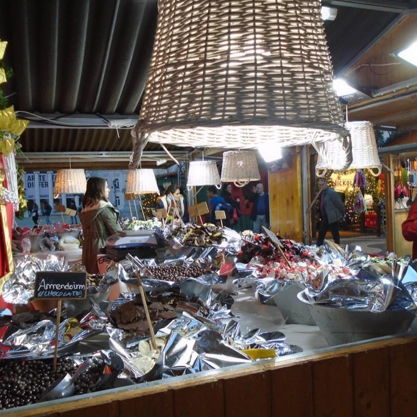 Weihnachtsmarkt in Lissabons Staddteil Baixa.
