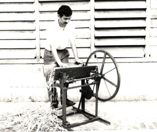 Seed-Cum Fertilizer Distributor