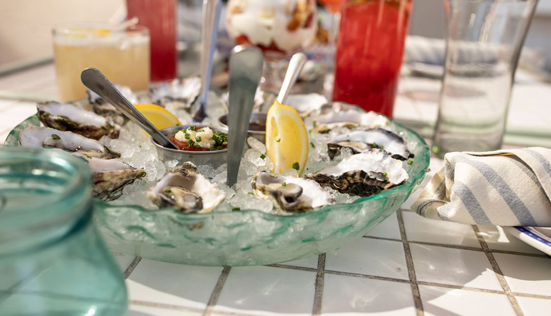 an image of oysters with lemon