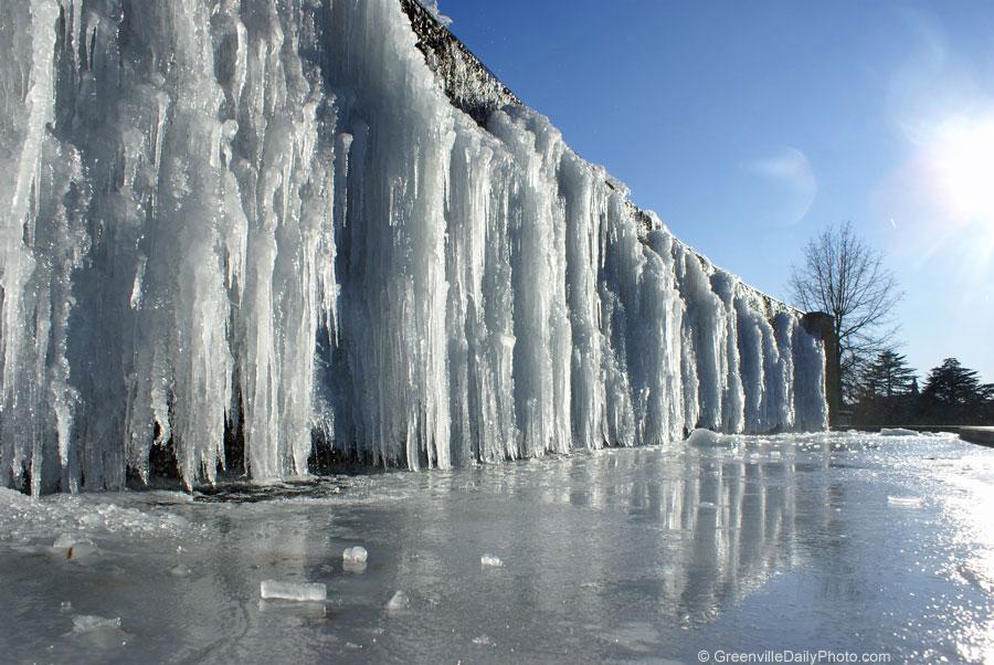 winter frozen fountain water