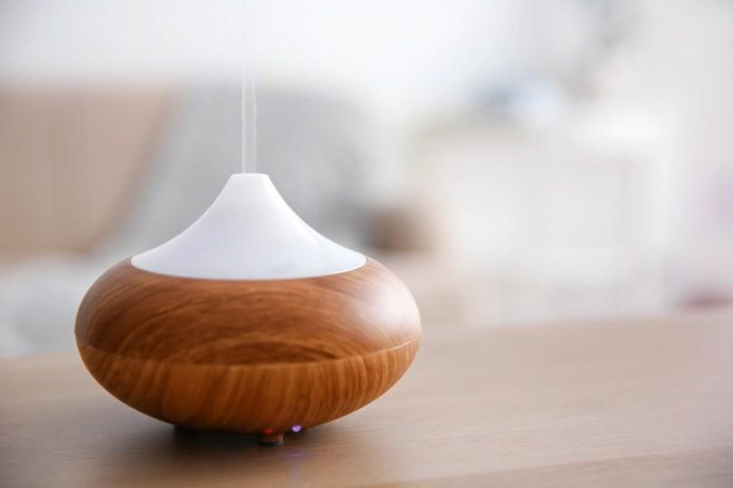 Rester zen pendant le confinement : diffuser des huiles essentielles