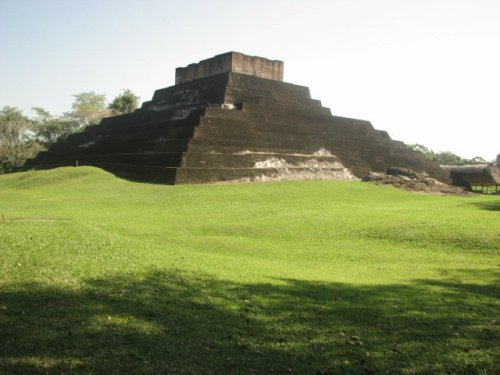Pyramid at Comalcalco, Tabasco, Mexico Photo by Shaila P L - The Pyramids of America – Greetings from the Past