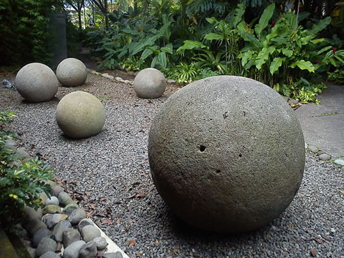 Stone spheres in National Museum of Costa Rica - Mysterious Stone Spheres of Costa Rica – Greetings from the Past
