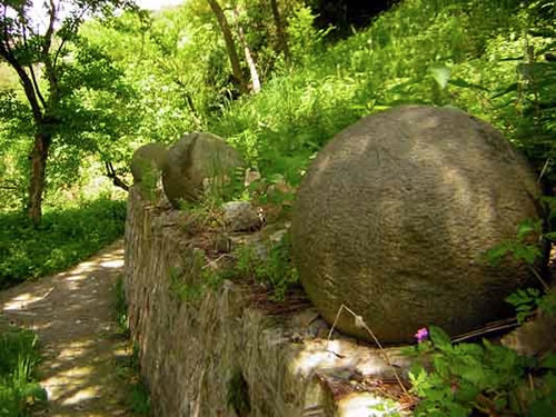 Stone balls in Teočak, Tuzla Canton, Bosnia and Herzegovina - Mysterious Stone Spheres of Costa Rica – Greetings from the Past