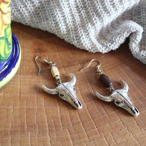 Μεταλλικά σκουλαρίκια με ταύρο