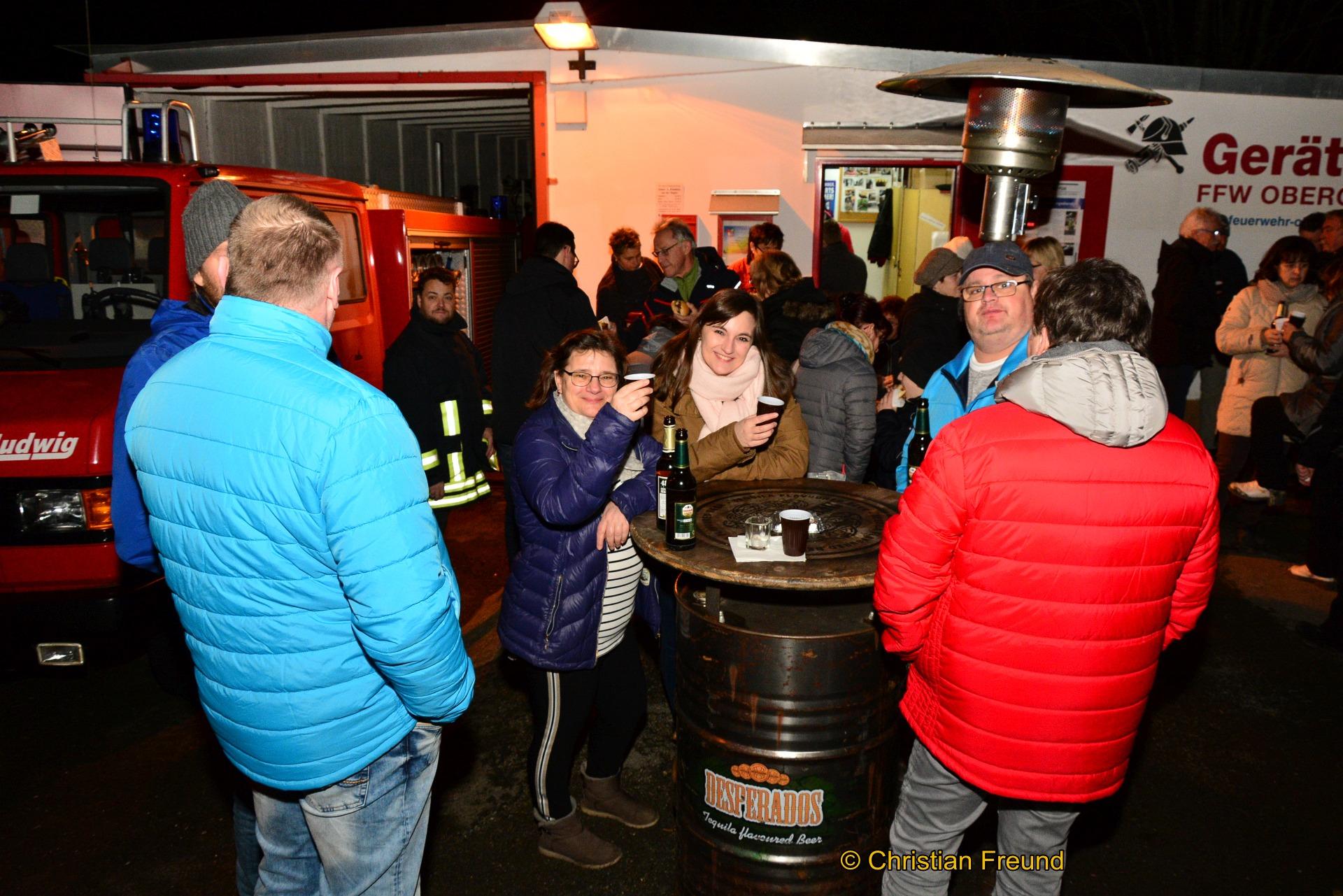 Impressionen vom Schubkarren-Wettbewerb und dem Gute-Laune-Fest rund ums Feuerwehrhaus