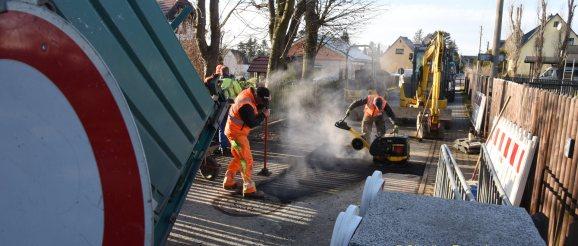 Obergrochlitzer Faustballer erhalten Abwasseranschluss fürs Vereinsgebäude