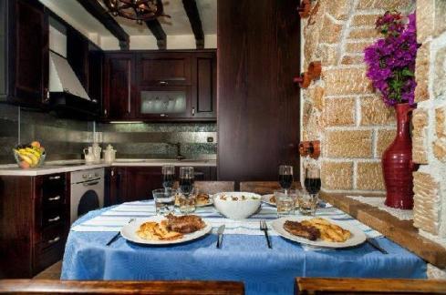 dining_area_villa_pefkohori_thumb