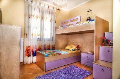 greek_childrens_room_thumb