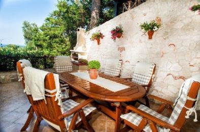 greek_villa_veranda_halkidiki_thumb