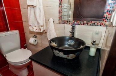 villa_pefkohori_bathroom_thumb