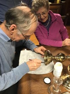 38 vrijwilligers inventariseren 1700 'Goddelijke' erfgoedobjecten in drie kerken