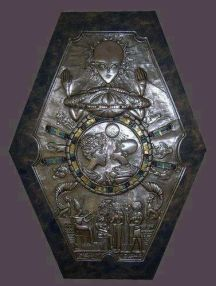 z medallion was found inside an ancient Egyptian tomb.