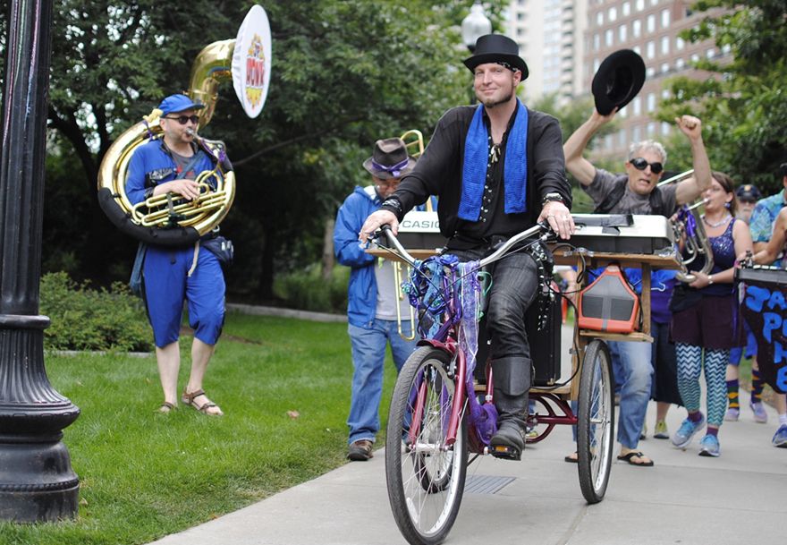 Musical meandering at the 2015 FIGMENT event in Boston (photo/Drew Cook).