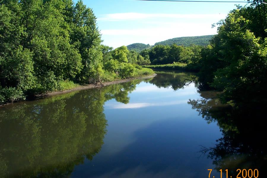 Photo of the Housatonic River upstream of New Lenox Road.