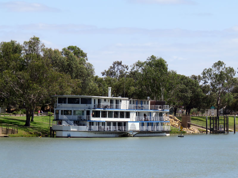 Large houseboat on the Murray