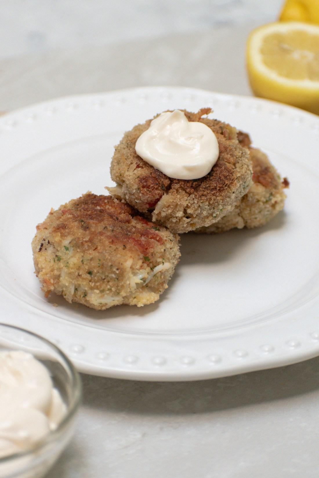 Crab Cakes with Lemon Garlic Aioli