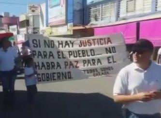 Magisterio de Nuevo Ideal marcha en apoyo de magisterio de Oaxaca