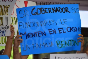 familia-benton-congreso-manifestacion-4
