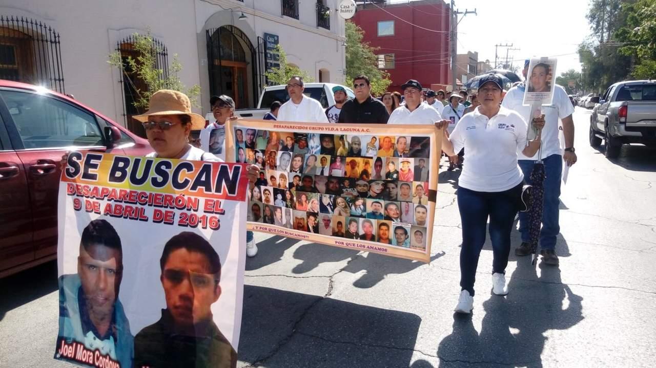 Marcha grupo Vida por sus desaparecidos en el Día de las Madres (Torreón, Coahuila)